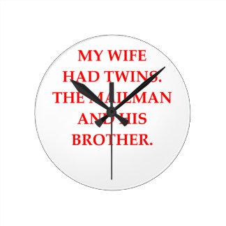 離婚 ラウンド壁時計