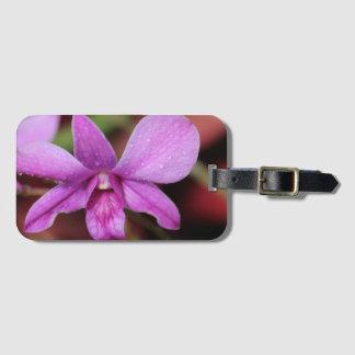 雨の後の紫色の蘭 ラゲッジタグ