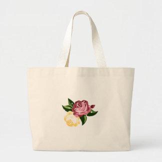 雨滴を持つバラ ラージトートバッグ