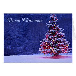 雪で覆われたクリスマスツリー カード