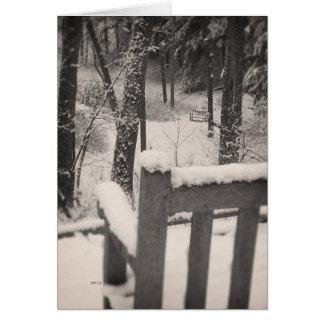 雪で覆われたベンチ カード
