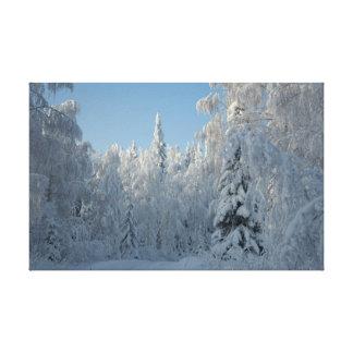 雪で覆われた木 キャンバスプリント