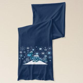 雪で遊んでいるかわいい恐竜! スカーフ