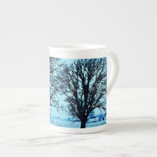 雪とのたそがれの木そして農場 ボーンチャイナカップ