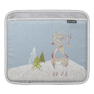 雪のかわいいトナカイそしてロビン iPadスリーブ