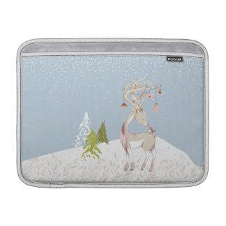 雪のかわいいトナカイそしてロビン MacBook スリーブ