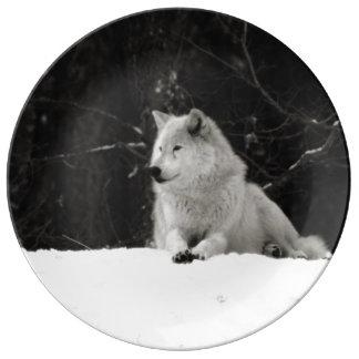 雪のオオカミ 磁器プレート