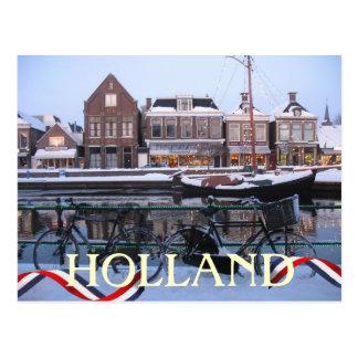 雪のオランダの町の郵便はがき ポストカード
