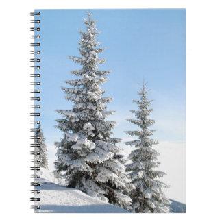 雪のクリスマスツリー ノートブック