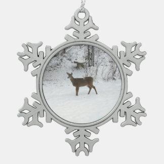 雪のシカの地位の腕時計 スノーフレークピューターオーナメント
