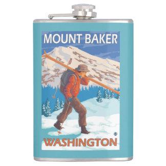 雪のスキー-山のパン屋、WA --を運んでいるスキーヤー フラスク