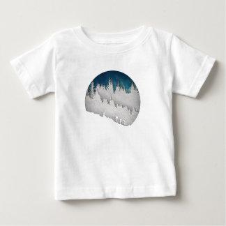 雪のハイキングII ベビーTシャツ