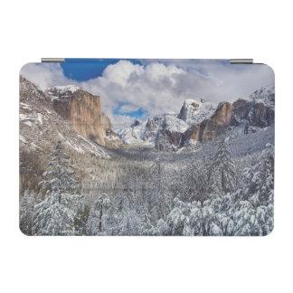 雪のヨセミテの谷 iPad MINIカバー