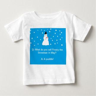 雪の人のユーモア- childrens III ベビーTシャツ