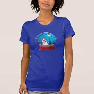 雪の人の歌うことを用いる雪の地球 Tシャツ