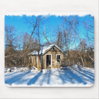 雪の古い家 マウスパッド