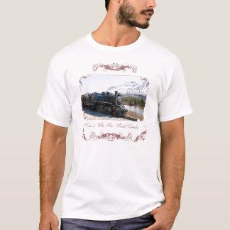 雪の女性のワイシャツの白いパスの列車 Tシャツ