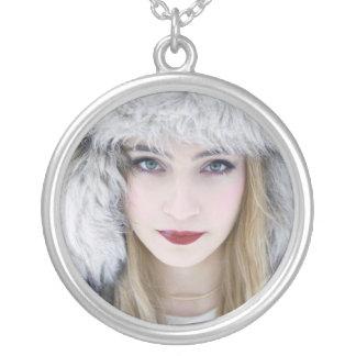 雪の女王 シルバープレートネックレス