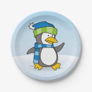 雪の小さいペンギンの歩く ペーパープレート