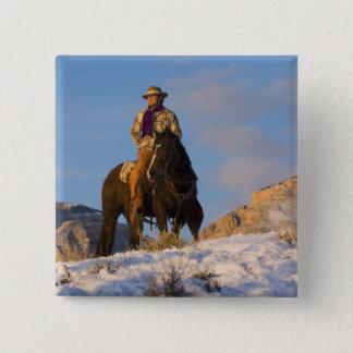 雪の彼の馬のカウボーイ 5.1CM 正方形バッジ