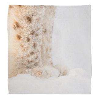 雪の柔らかい金オオヤマネコの足 バンダナ