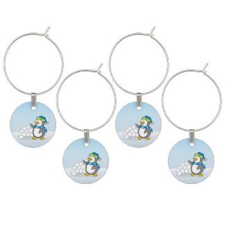 雪の球の振ることを用いる小さいペンギン ワインチャーム