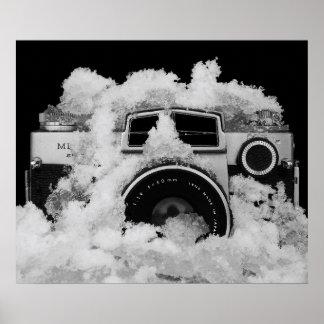 雪の白黒写真撮影のヴィンテージのカメラ ポスター