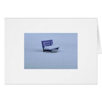 雪の紫色のベンチ カード