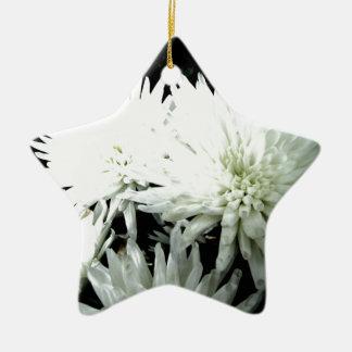 雪の花の白黒菊 セラミックオーナメント