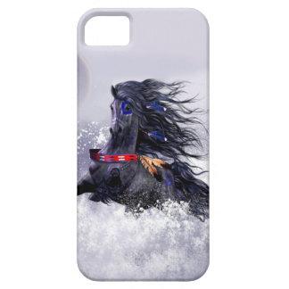 雪の黒く青く威厳のあるな種馬のインドの馬 iPhone SE/5/5s ケース