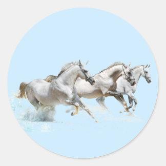 雪の3頭の白馬 ラウンドシール