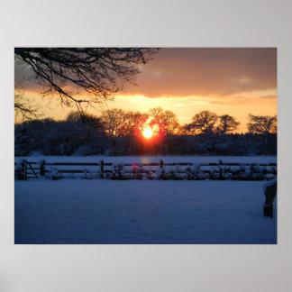 雪分野上の日没 ポスター