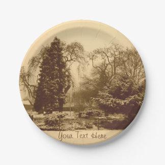 雪場面公園の景色の元のセピア色の写真 ペーパープレート