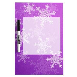 雪片のクリスマスのDryerase紫色の板 ホワイトボード