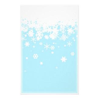 雪片(白く、青背景)の 便箋