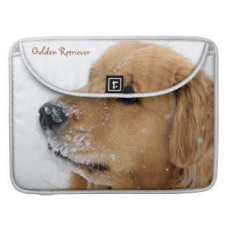 雪犬のゴールデン・リトリーバーのMacBookのプロ袖 MacBook Proスリーブ