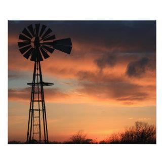 雲とのカンザスの国のオレンジ日没 フォトプリント