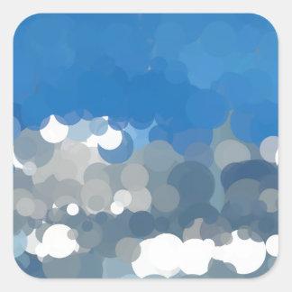 雲のスカイブルーの抽象芸術による点々のあるな日曜日 スクエアシール