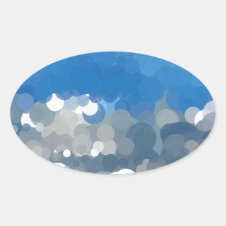 雲のスカイブルーの抽象芸術による点々のあるな日曜日 楕円形シール