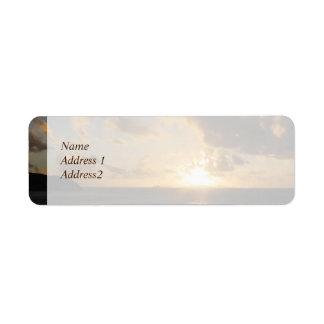 雲のセントマーチンの保存の日の出日付 ラベル