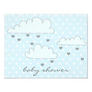 雲のハートの雨滴のベビーシャワーの招待状 カード