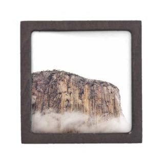 雲の上に上がる薄い崖 ギフトボックス