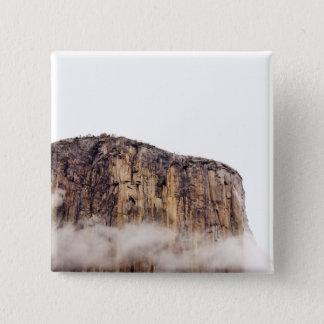 雲の上に上がる薄い崖 5.1CM 正方形バッジ