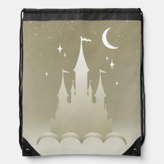 雲の星明かりの月の空の銀製の夢みるような城 ナップサック