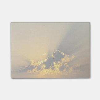 雲を照らす金日没 ポストイット