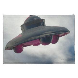 雲を通したUFOの飛行 ランチョンマット