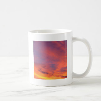 雲華麗なたそがれのJareninaスロベニア コーヒーマグカップ
