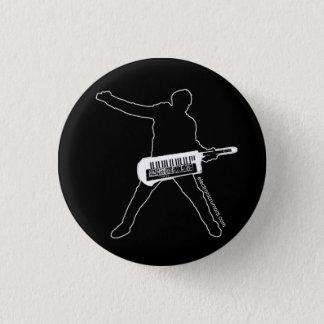 電子うわさ: Keytarの斧人、すべてのSynth…すべて 3.2cm 丸型バッジ