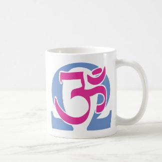 電子仏教徒Omの記号の茶およびコーヒー・マグ コーヒーマグカップ