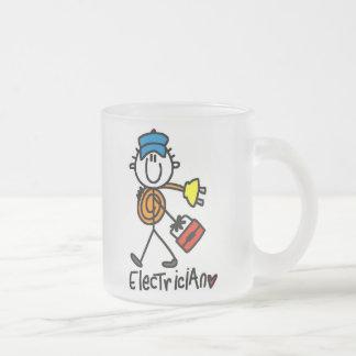 電気技師の棒の姿 フロストグラスマグカップ